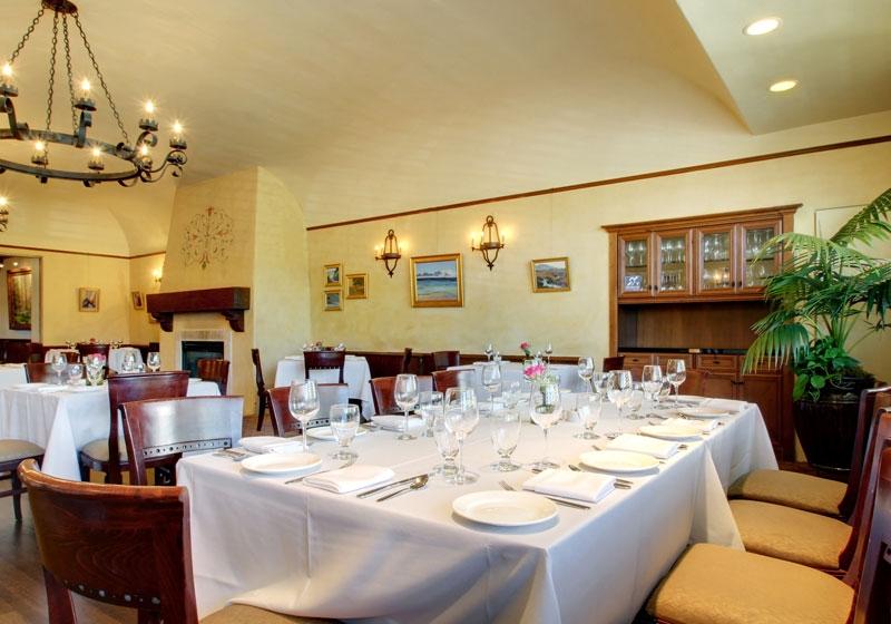 dining room | riviera mansion wedding