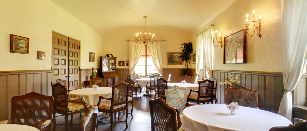 Alumni Room | Riviera Mansion Wedding