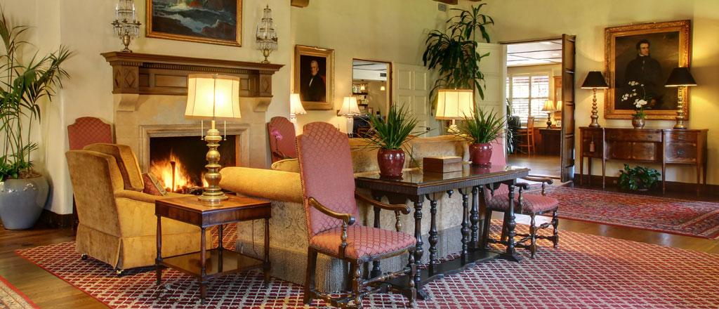Living Room | Riviera Mansion Wedding