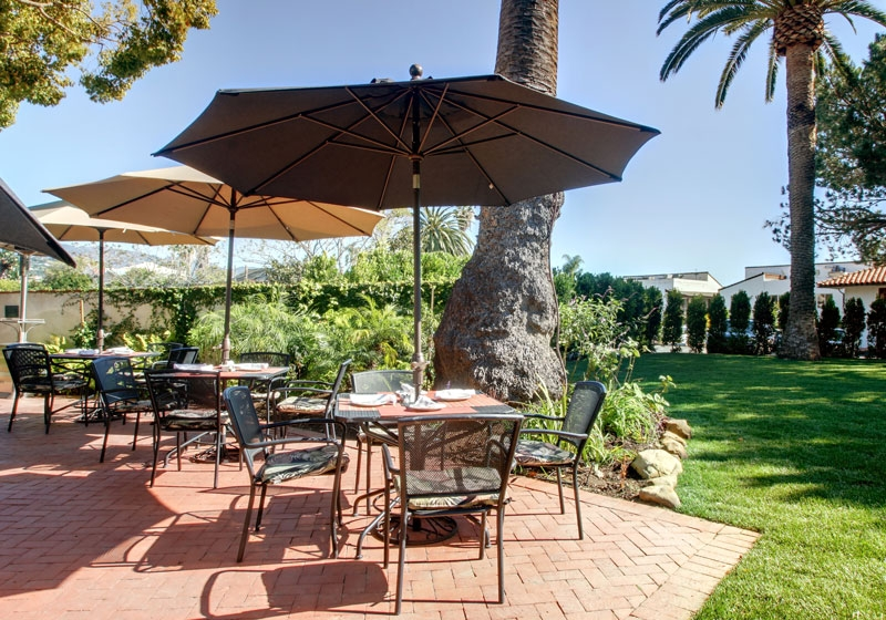 The Expansive And Well Maintained Trees Lawns Neatly Trimmed Privacy Hedges Yield An Incredible Locale For Various Ceremony Celebration Events